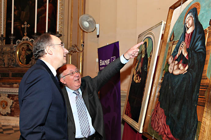 CEO & Prof Buhagiar admiring the painting